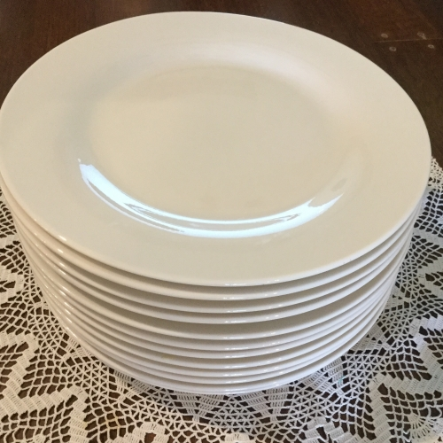 Classic white  dinner plates